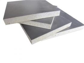目前广泛采用岩棉彩钢板作为挡板